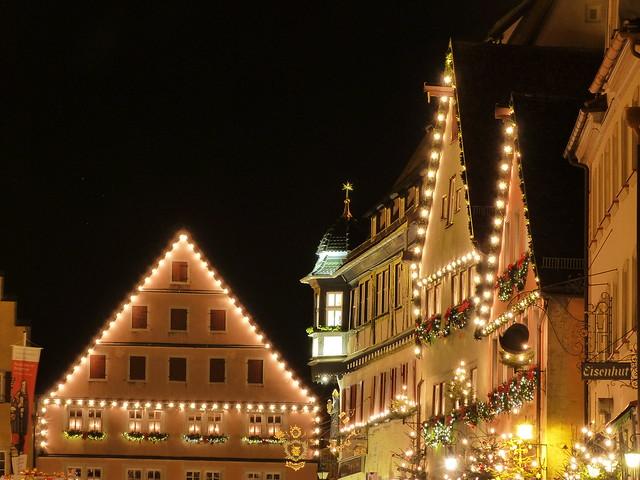 Rothenburg por la noche durante la Navidad (Norte de Baviera, Alemania)