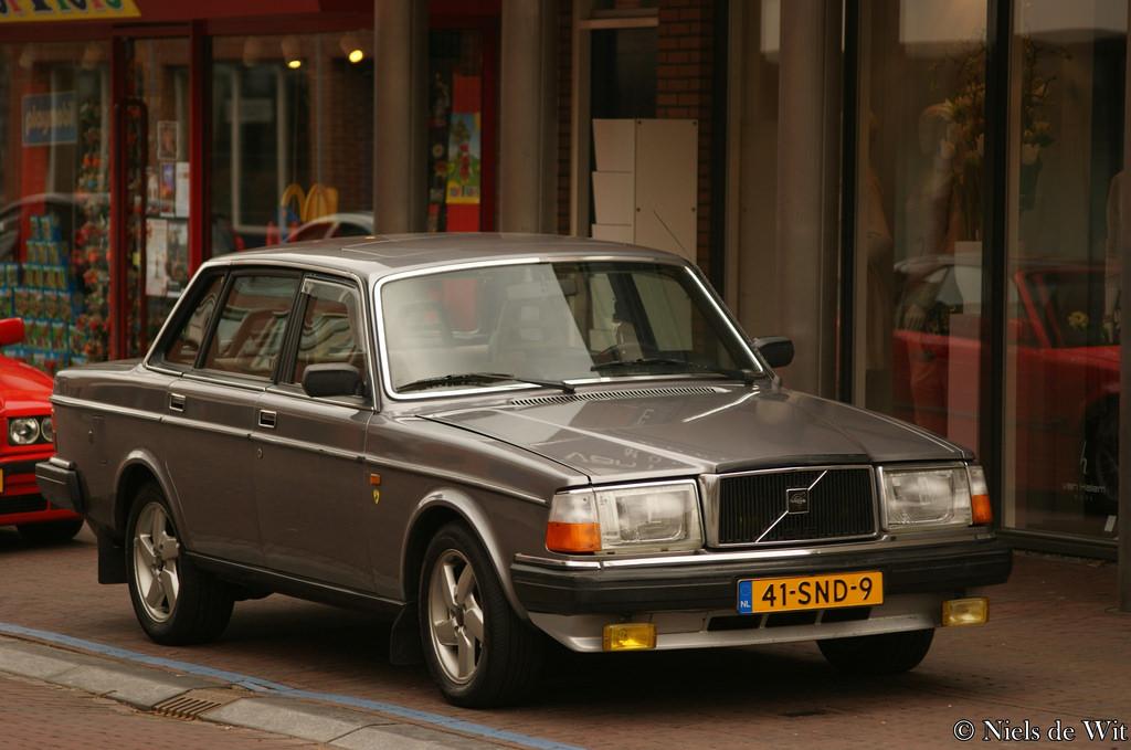 老式柴油轎車。圖片來源:Niels de Wit(CC BY 2.0)。