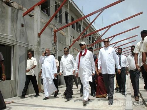 அமைச்சர் பசில் யாழ் புகையிரத நிலைய நிர்மாண பணிகளை பார்வையிட்டார் - 27 ஆகஸ்ட் 2014