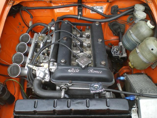 Alfa Romeo Giulia Berlina 10526 Racer de Bruno   15003499731_02c1331495_z