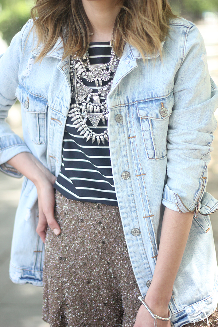denim jacket sequins shorts striped top outfit15