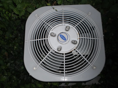3 Areas of Your HVAC System You Should Be Cleaning