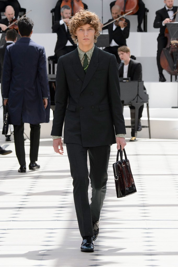 SS16 London Burberry Prorsum007_Johannes Spaas(fashionising.com)