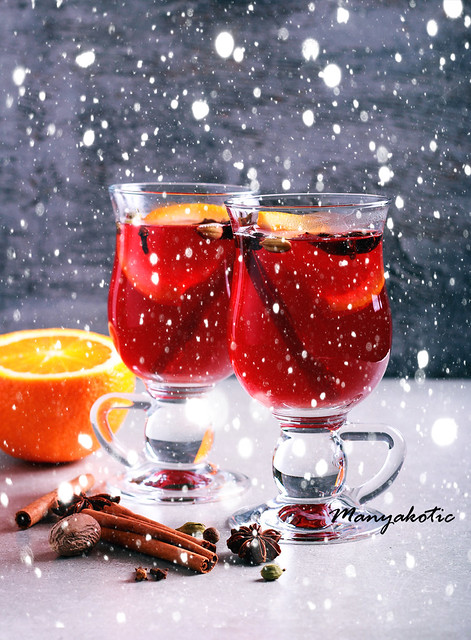Christmas mulled wine or gluhwein with spices