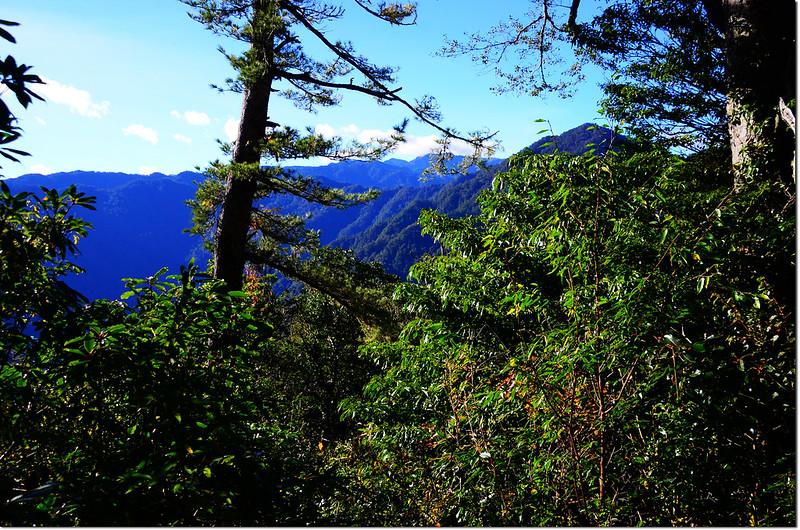 西納基山山頂基那吉山、大霸尖山