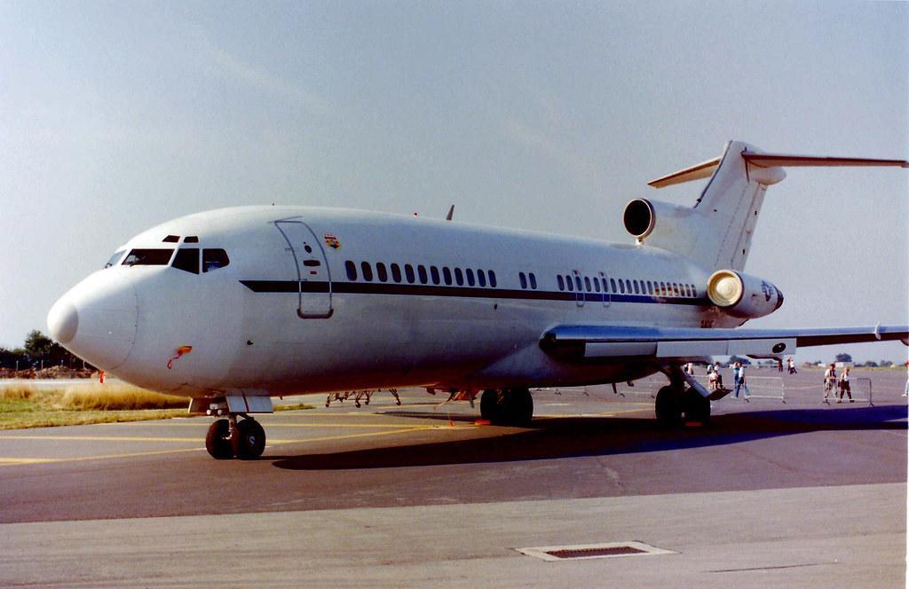 34616 Boeing 727 (C22) U.S.A.F Fairford 22Jul89   rods ...