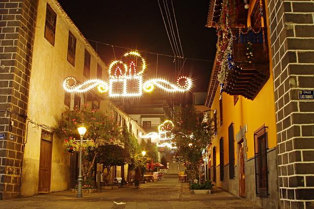 Quiet street, Christmas, Puerto de la Cruz, Tenerife