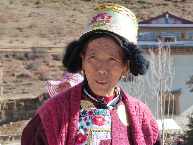 Mujer tibetana en Shangri-La (Yunnan, China)