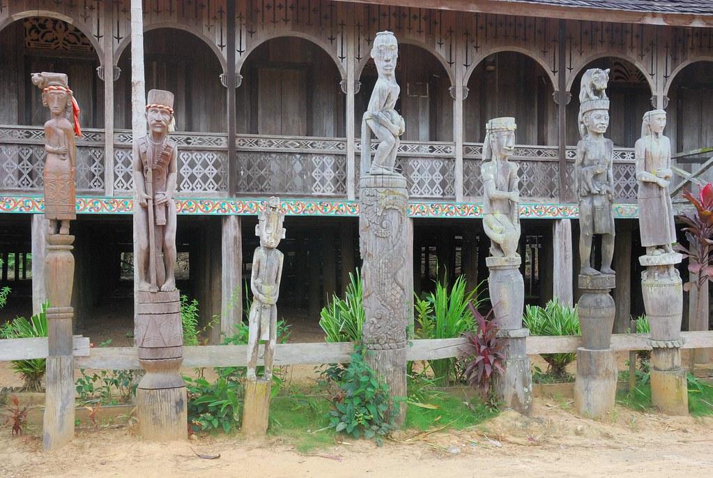 IDN_2014 0512 - Kalimantan - fiume Mahakam - Rincong - longhouse dei Dayak Banuaq