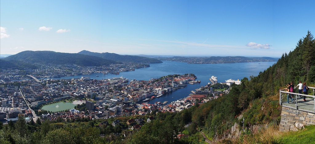 P8260442 Panoramica Bergen Noruega