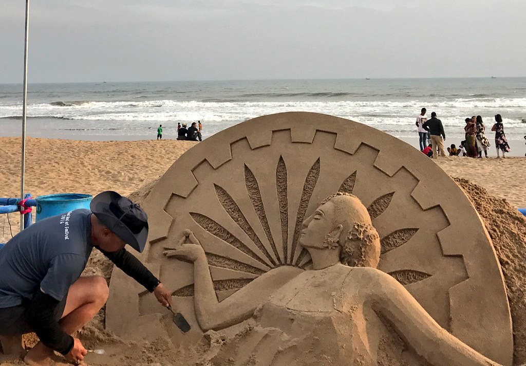 Singapore sand artist at #InternationalSandArtFestival at Chandrabhaga beach in #konarak , Odisha