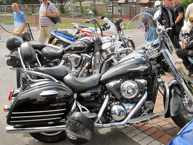 Kawasaki Men S Core   Fat Tire  Speed Mountain Bike