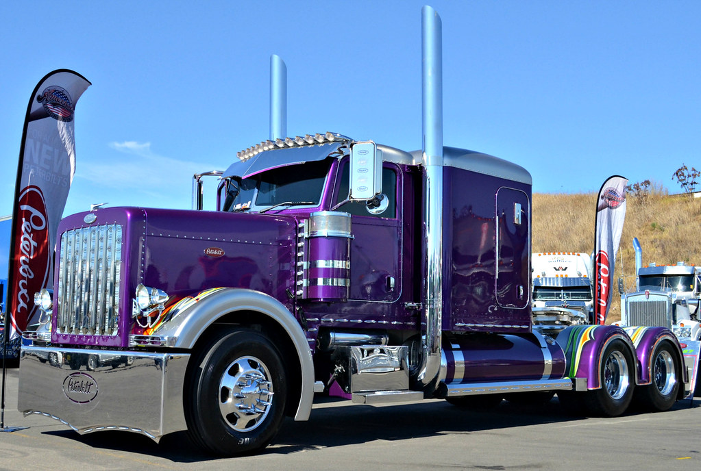 Peterbilt 389 | Scott Bourne | Flickr