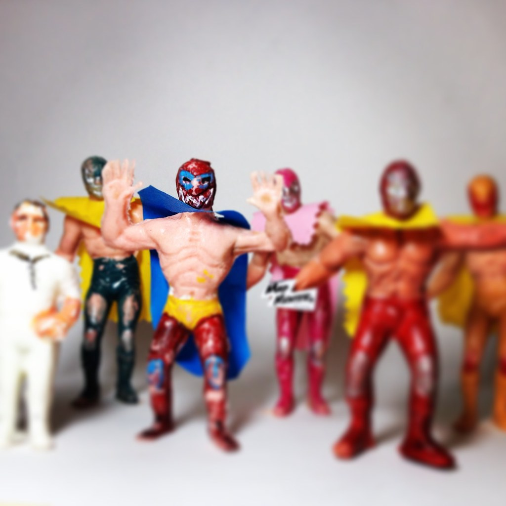 Luchadores de pl stico caucho y goma mexicanos juguete mex for Juguetes de plastico