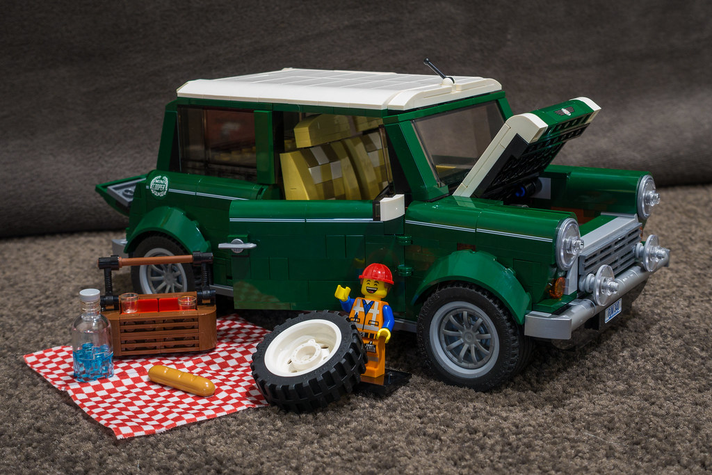 LEGO Mini Cooper And VW Camper Van Comparision Between