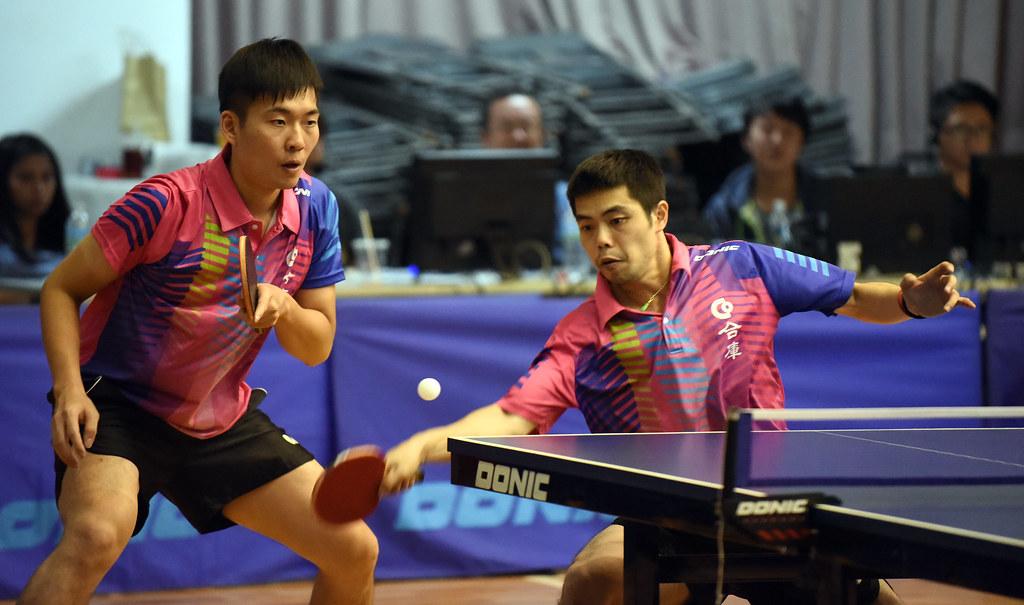 莊智淵(右)、黃聖盛。(桌球協會提供)