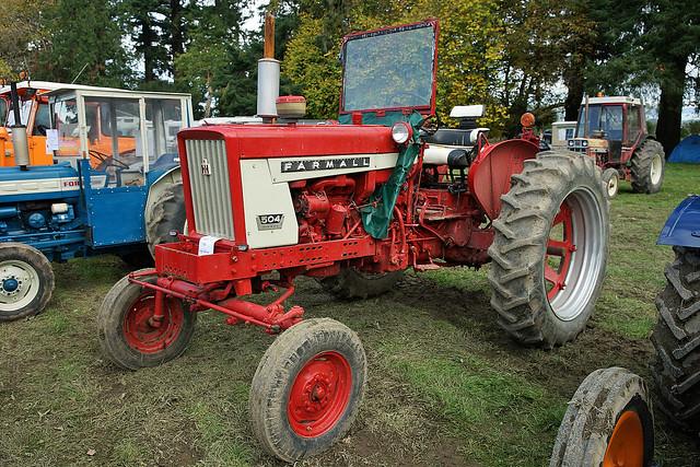 International 504 Tractor : Farmall tractor flickr photo sharing