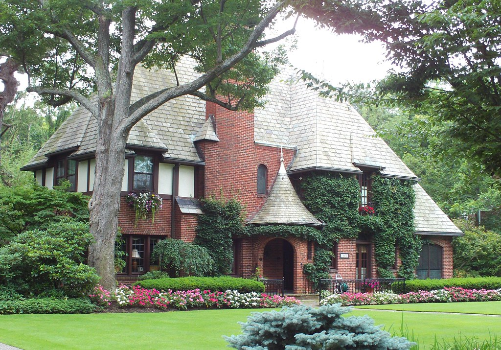 Shaker heights ohio 1929 french tudor house shelburne road for French tudor