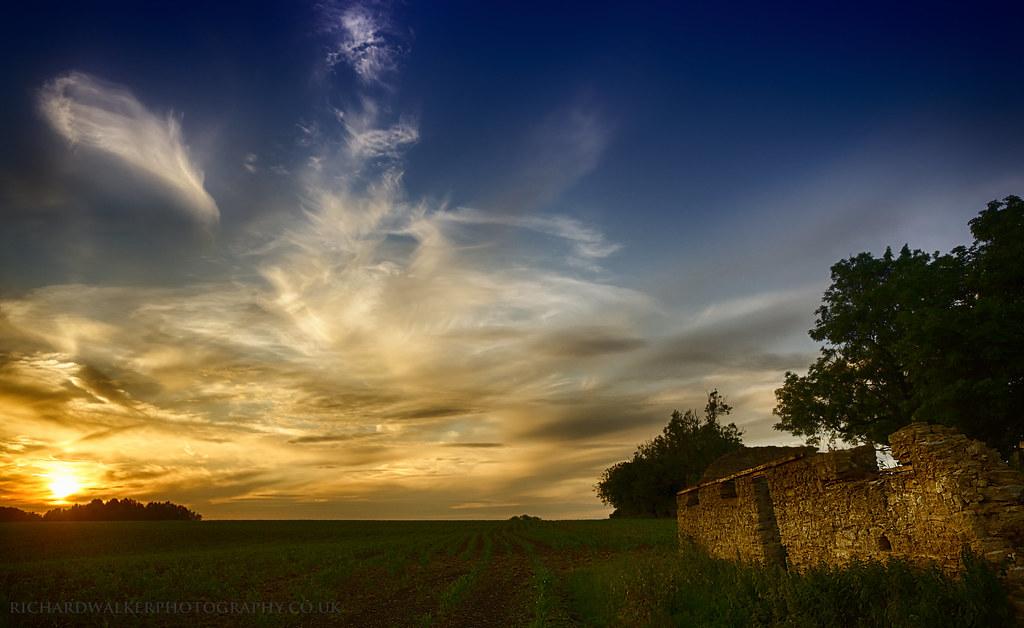 Beautiful Sunset Sky  An Old Ruin Near Buckingham At