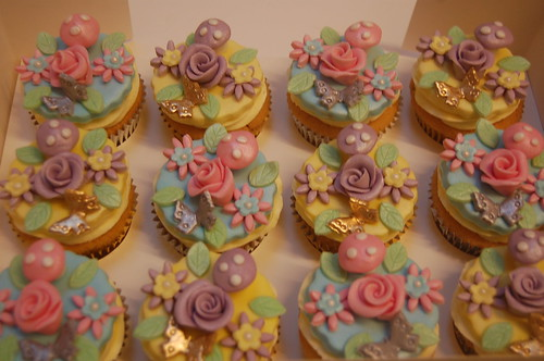 Possibly the girliest cupcakes ever??? The Incredibly Pretty Cupcakes - from £2.50 each (minimum order 12).