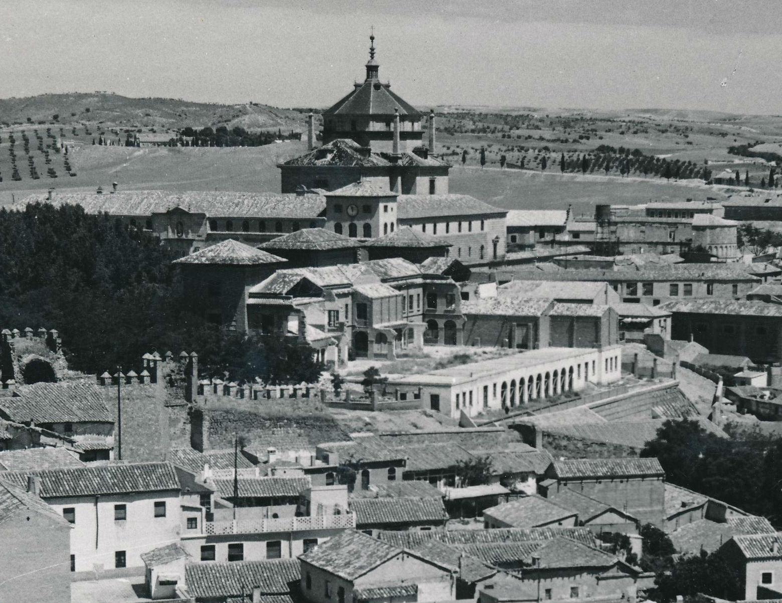 Escuela Normal de Magisterio por Eileen Darby hacia 1950