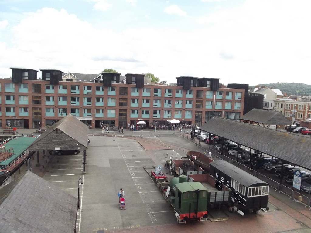 Gloucester Waterways Museum - Gloucester Docks - Railway W ...
