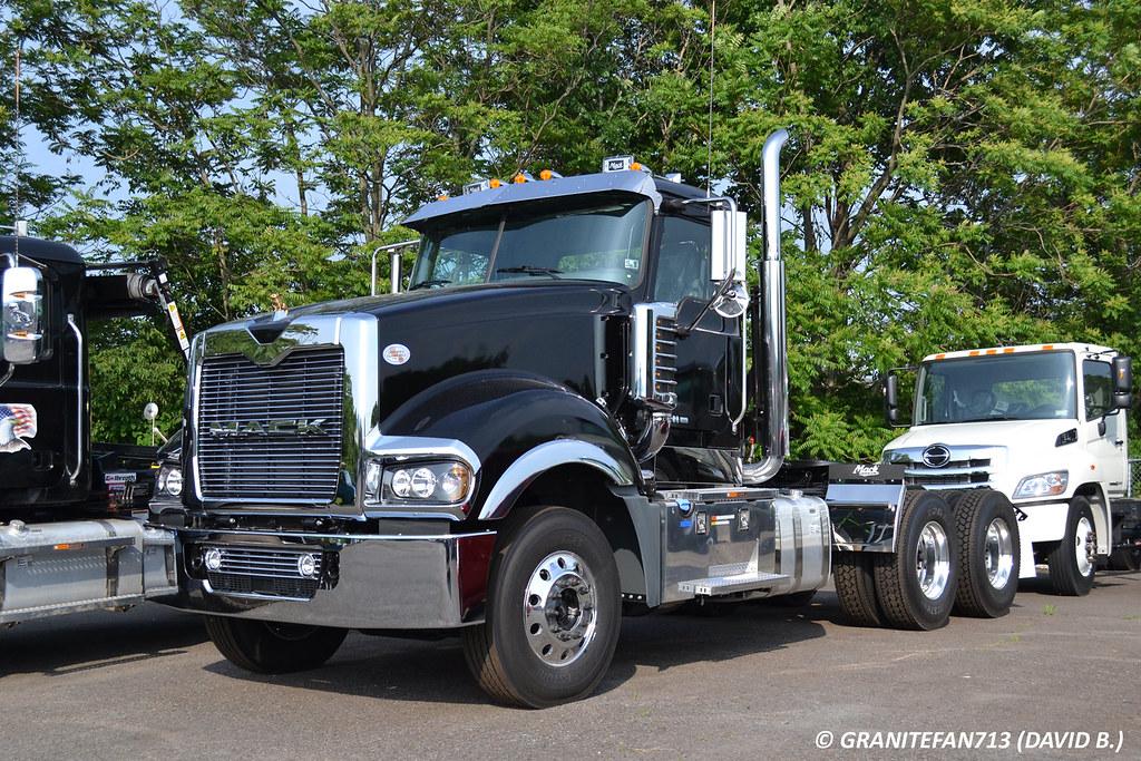 image gallery new mack trucks 2016. Black Bedroom Furniture Sets. Home Design Ideas