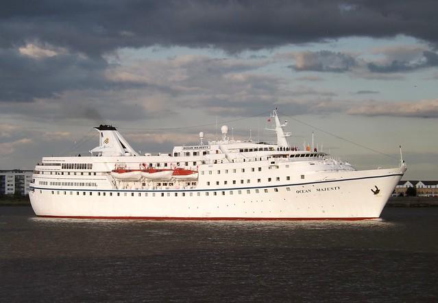 Ocean Majesty (2) @ Gallions Reach 19-08-14