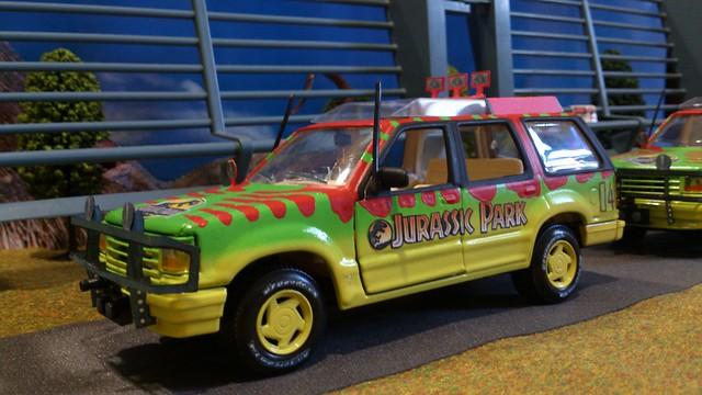 Ford Explorer Tour Car Maisto Jurassic Park 1 24 Toy