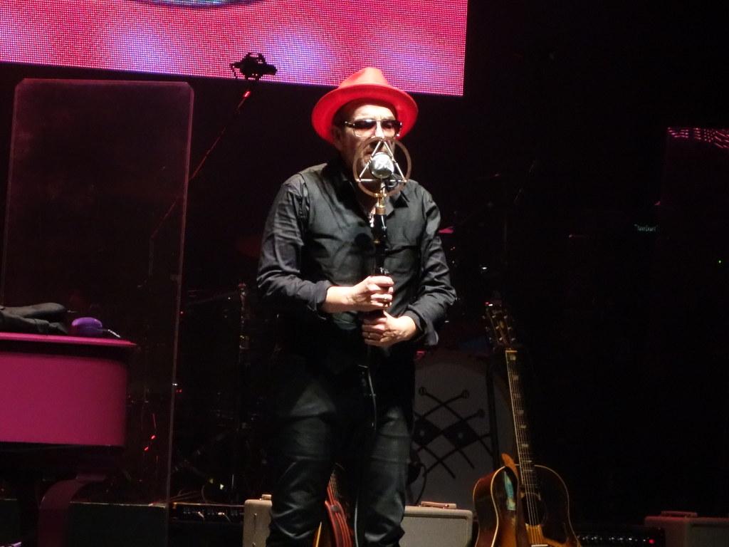 Elvis Costello Tour