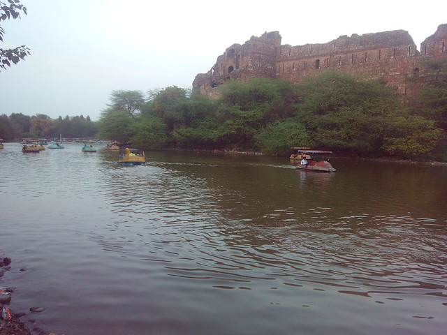 Lake outside boundary wall of Purana Qila