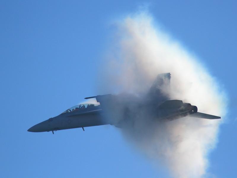 IMG_4254 Vapor by F/A-18F Super Hornet