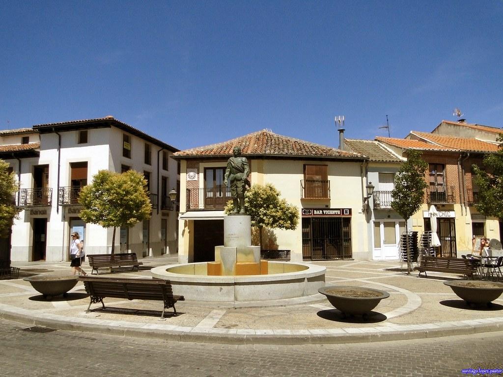 Plaza de la puerta del sol navalcarnero importante for Plaza puerta del sol