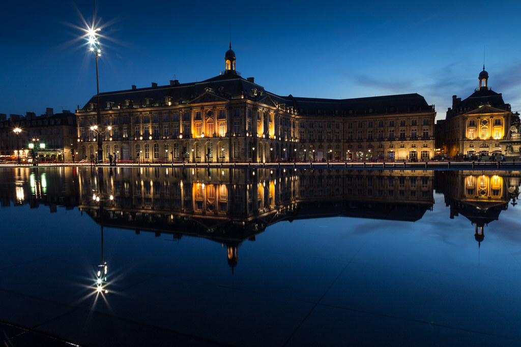 Place de la bourse miroir d 39 eau bordeaux france flickr for Mirror pool bordeaux