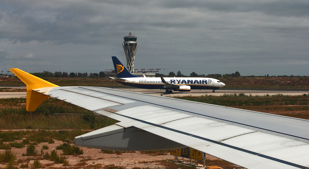 should ryanair consider introducing long haul flights It might also have to consider offering passengers free water, and even food, considering the increased length of flights to north america low-cost rival norwegian this week faced criticism from passengers on its new long-haul service from oslo to new york after it refused to serve food or water unless paid for using a credit card.