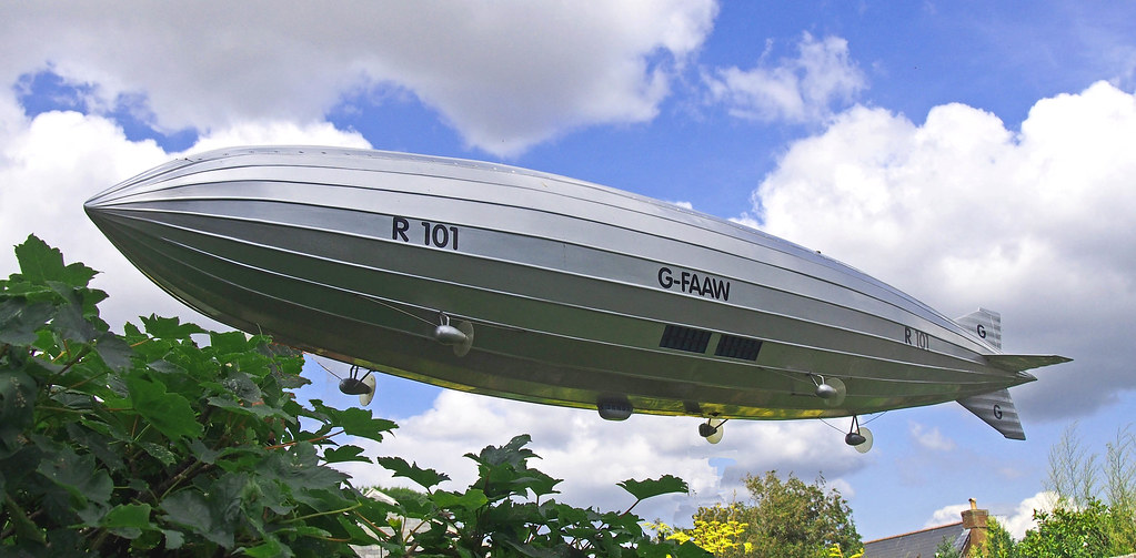 R101 Airship G-FAAW. Over The Isle of Wight!