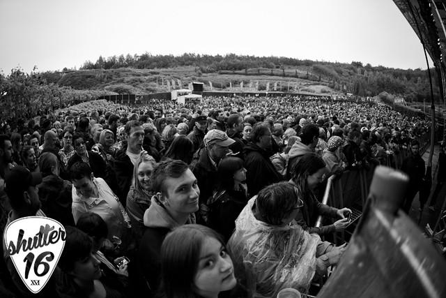 Eden Crowd
