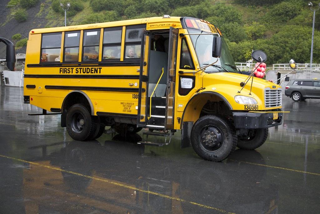 Kodiak Four Wheel Drive School Bus Ak 0o2a1598 Photos