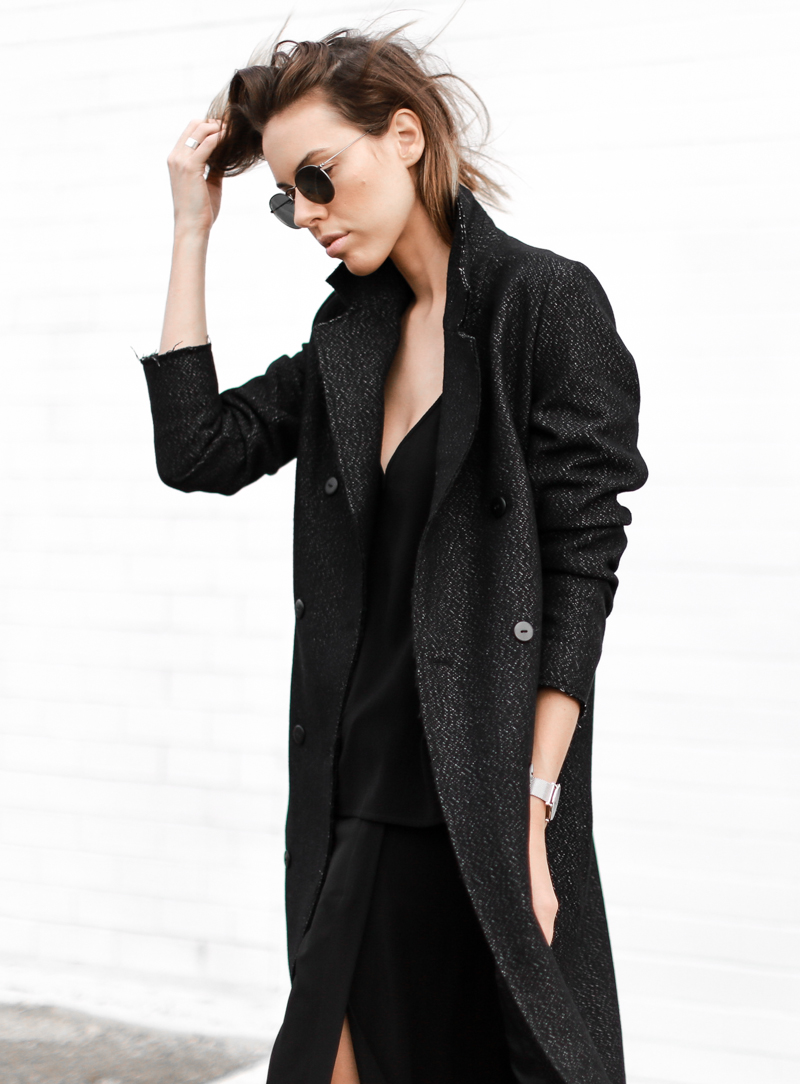 modern legacy, fashion blog, street style, all black, off duty, C&M Manhattan coat, Ray-Ban round sunglasses (1 of 1)