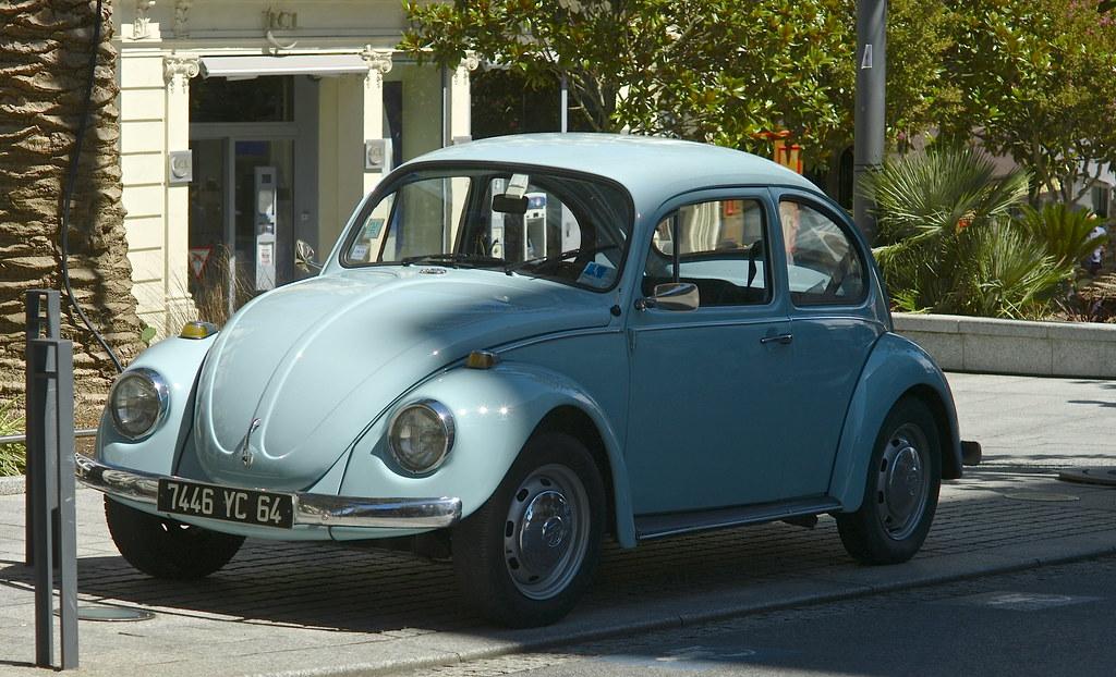 Volkswagen azul celeste pale blue vw biarritz francia for Garage volkswagen biarritz