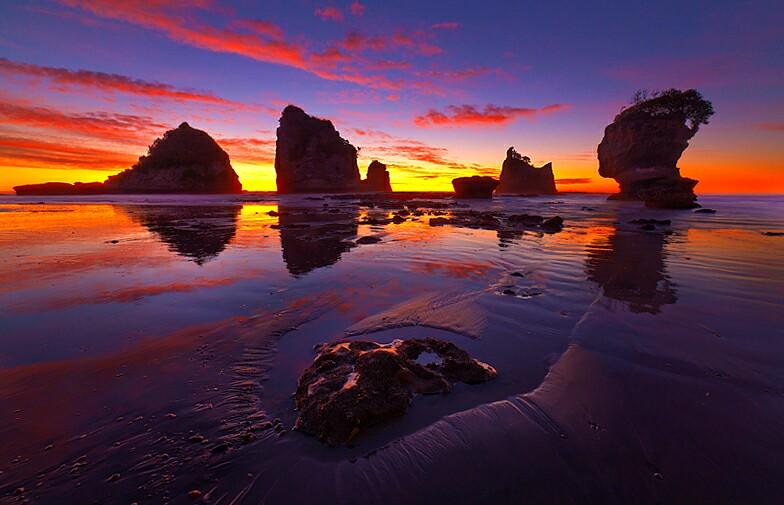 Motukiekie beach sunset new zealand follow me on for Landscape jobs nz