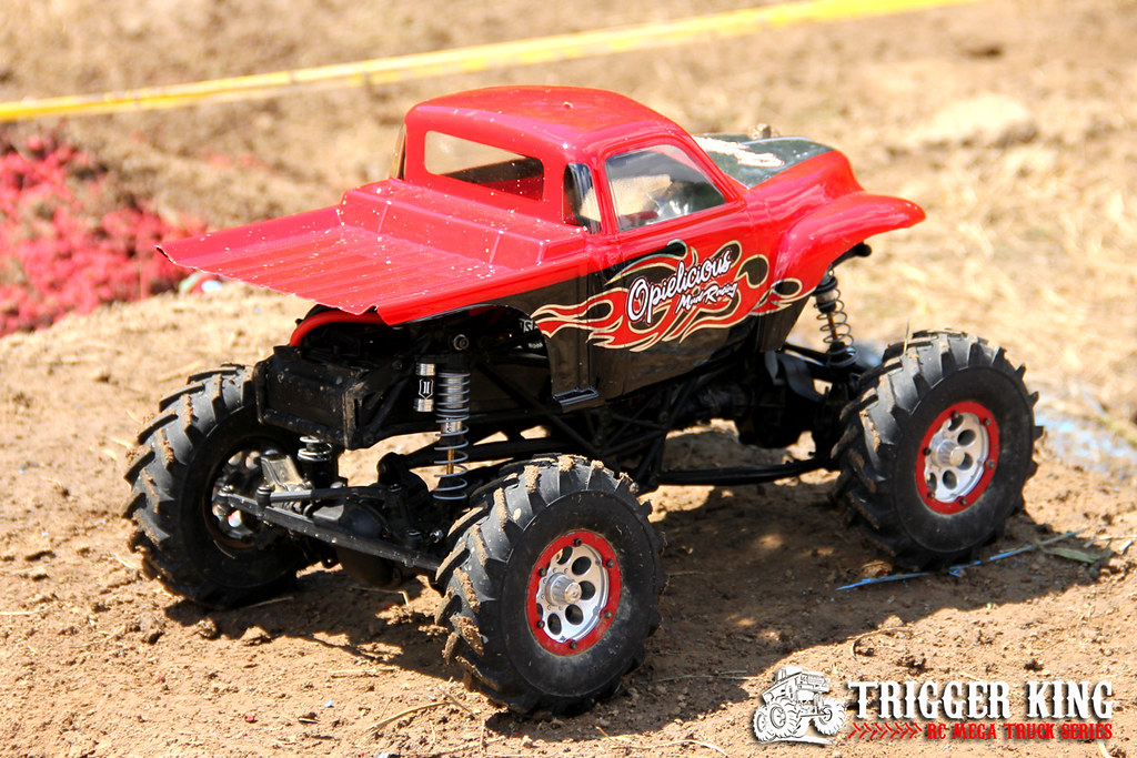 rc mud truck with 14151976220 on Watch further 320740804682532625 as well Bigfoot Is Real And Itll Appear At The Atlanta Motorama With Its Offspring furthermore 61098 likewise Custom 94 Toyota Pickup Rock Crawler.