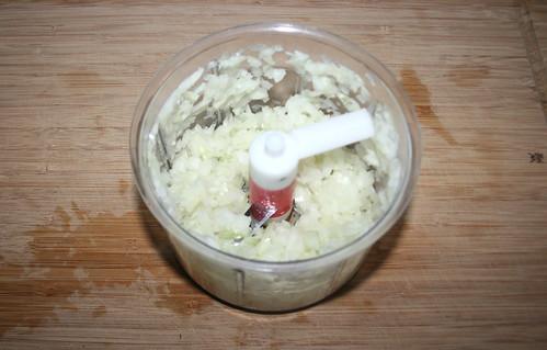 15 - Zwiebel würfeln / Dice onion