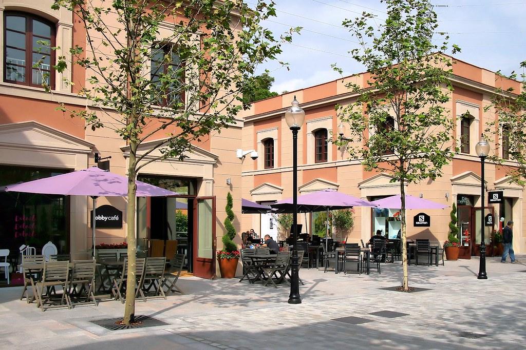 La roca village chic outlet shopping santa agn s de for La roca barcelona