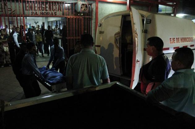En el kilómetro 07 de la autopista Ciudad Bolívar – Puerto Ordaz, son abatidos por el CICPC por roba...