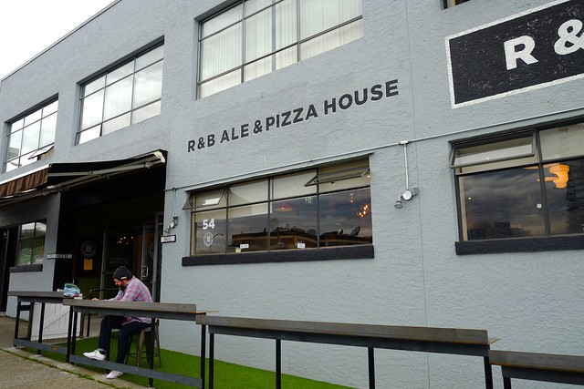 R&B Brewing Ale & Pizza House | Mount Pleasant, Vancouver