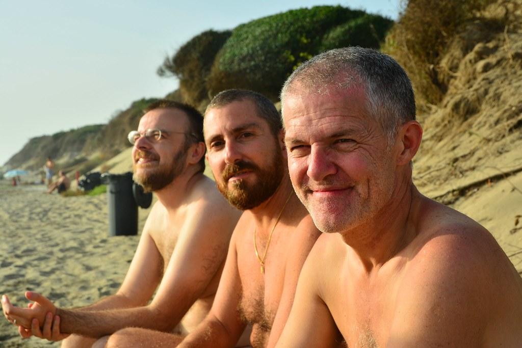Sexy Nude Boys Nudist Beach Scenes