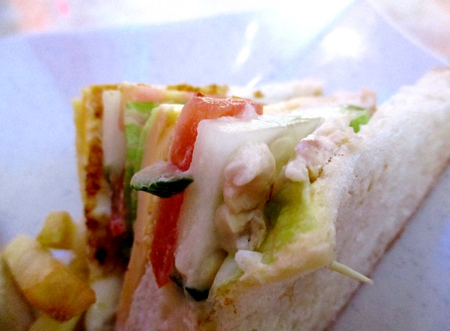 SCR Sg Merah sandwich, bits of chicken