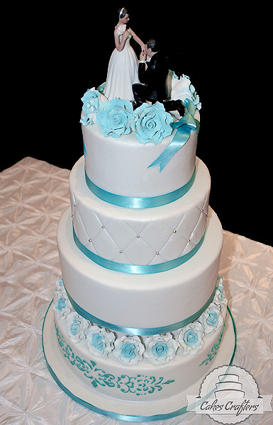 pictures of blue wedding cakes blue wedding cake four tiers blue 18394