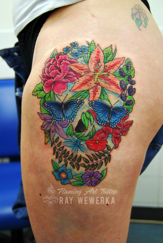Flower skull tattoo more art and tattoos here www for Skull and flowers tattoos